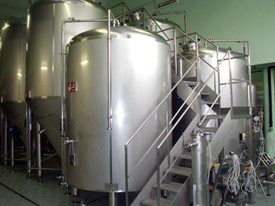 Serbatoi inox per birra e bevande | Azzini S.p.a.